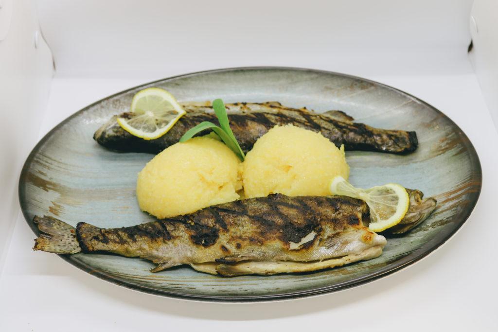 pastrav-la-gratar-restaurant-lostrita