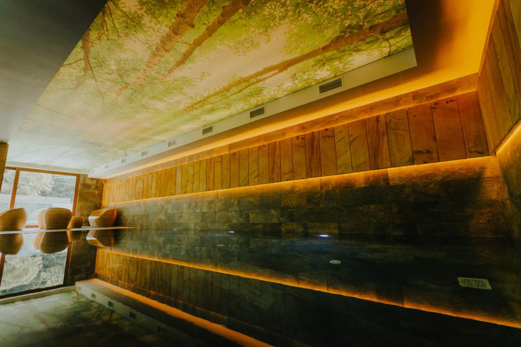 piscina-1.2m-incalzita-baia-mare-hotel-lostrita