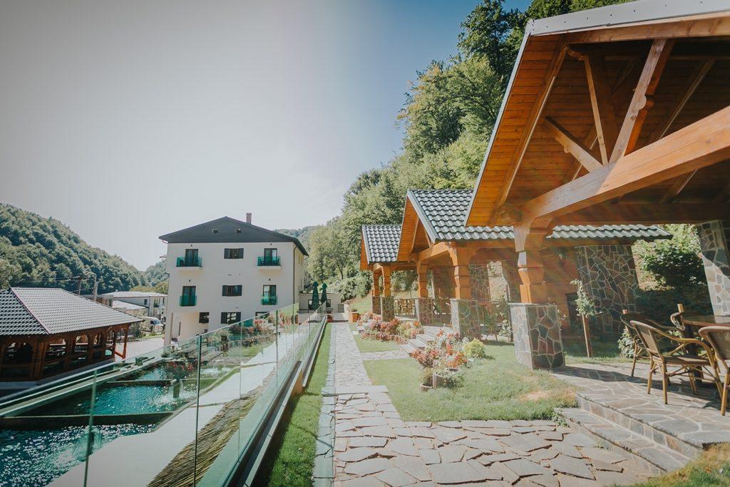 despre-noi-lostrita-cazare-hotel-pastravarie-baia-mare-maramures-6