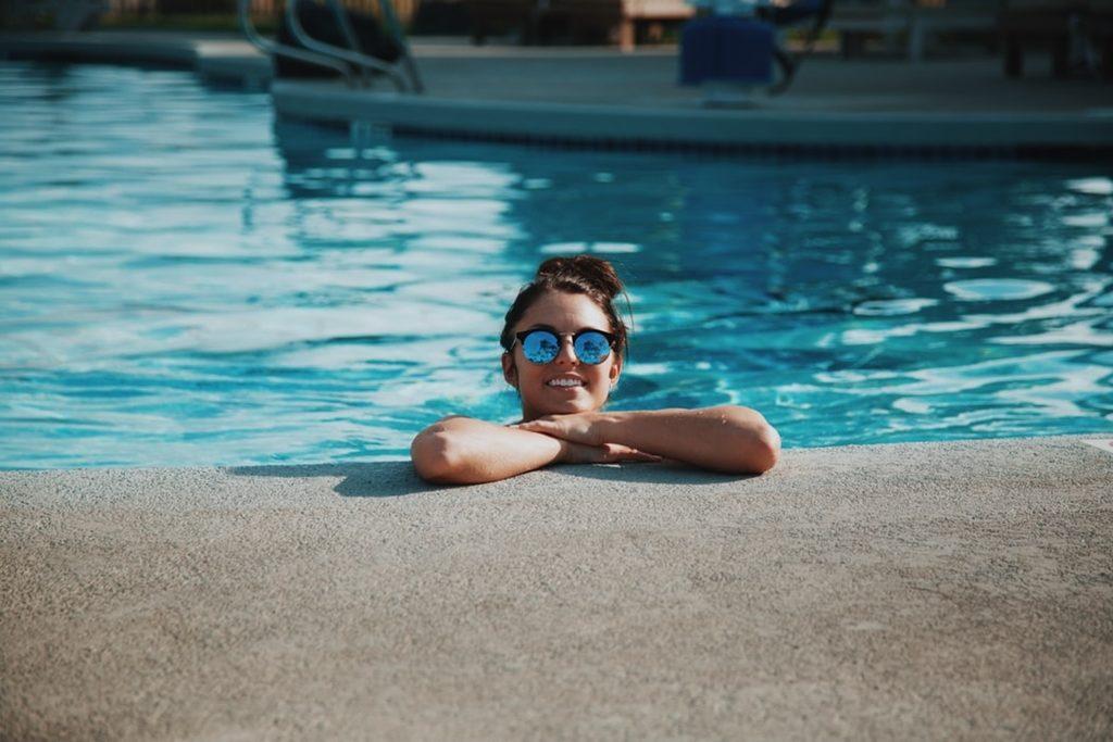 piscina-baia-mare-hotel